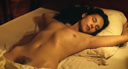 フランスの人気女優、ヴィルジニー・ルドワイヤンのヘアヌードシーンのGIF動画www