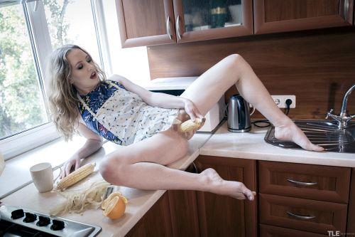 Emma Fantazy - THE COB 1 13
