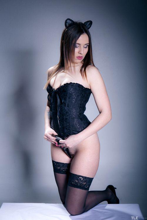 Elizabeth C - MINX 02