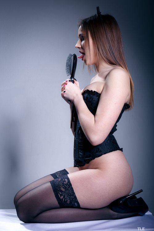 Elizabeth C - MINX 03