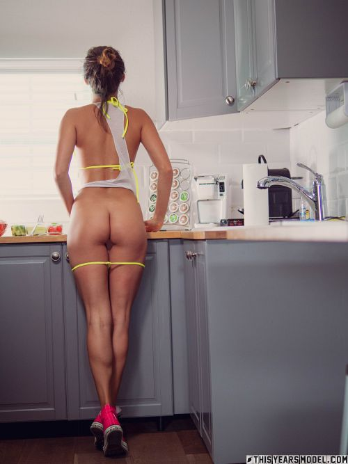 Dare Taylor - IG MODEL DARE TAYLOR FINDS TYM'S KITCHEN 13