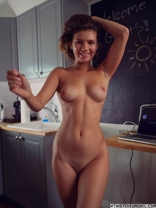 Dare Taylor - IG MODEL DARE TAYLOR FINDS TYM'S KITCHEN 20