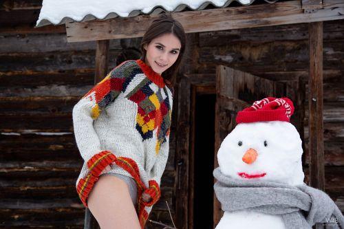 Leona Mia - SNOWMAN 02