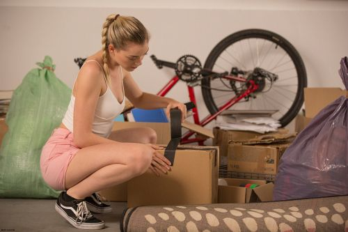 Anny Aurora - REAL LIFE MOVING DAY SEX 01