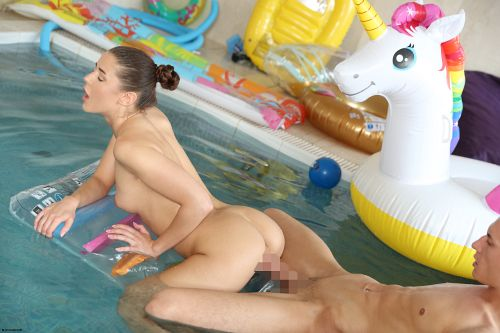 Sybil - UNICORN POOL PARTY 10