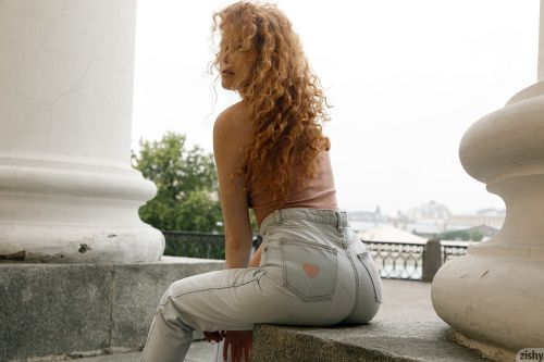 Heidi Romanova - SHOWS ME THE MAIDAN 08