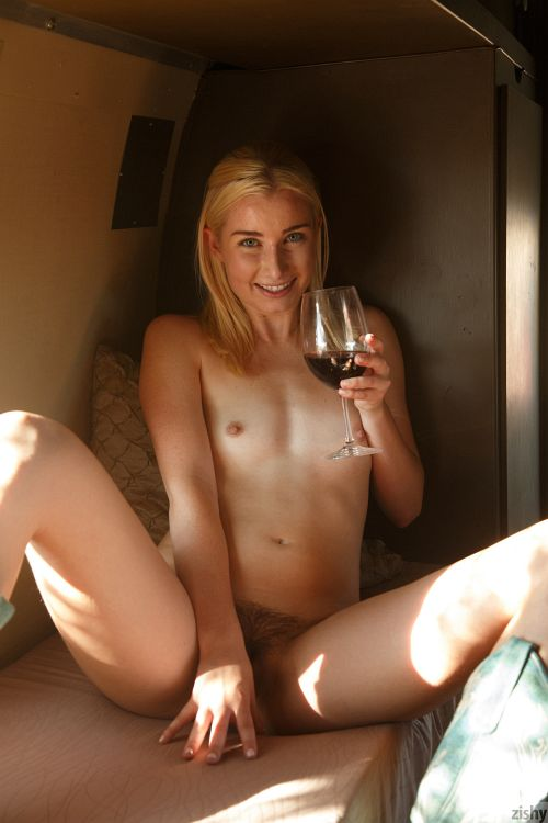 Morgan Attwood - VINE HUMPERS 2 03