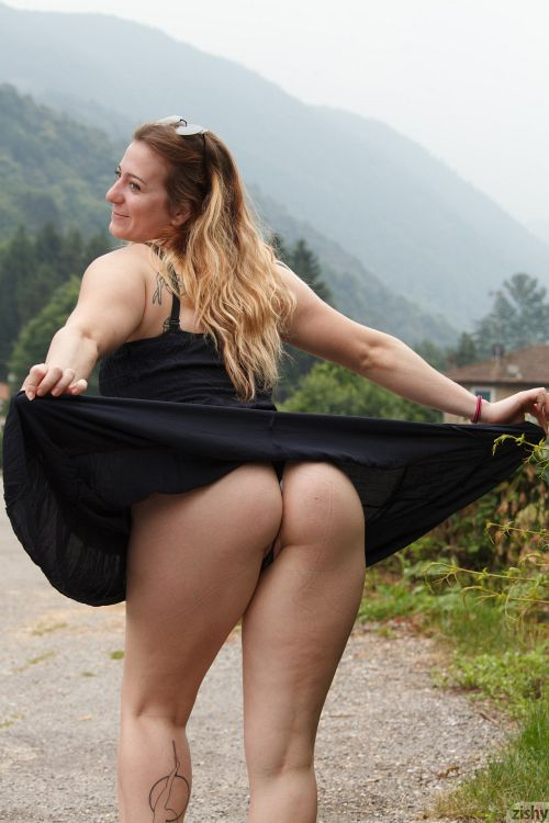 Sera Rossini - SHUTS DOWN ITALY 12
