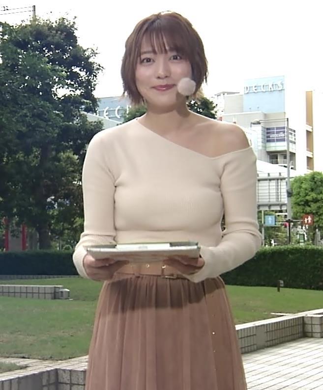 阿部華也子 おっぱいがエロ過ぎなのに肩まで露出しているキャプ・エロ画像7