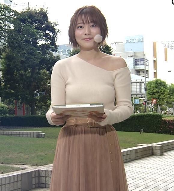 阿部華也子 おっぱいがエロ過ぎなのに肩まで露出しているキャプ・エロ画像9