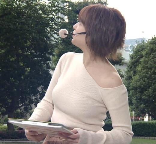 阿部華也子 おっぱいがエロ過ぎなのに肩まで露出しているキャプ画像(エロ・アイコラ画像)
