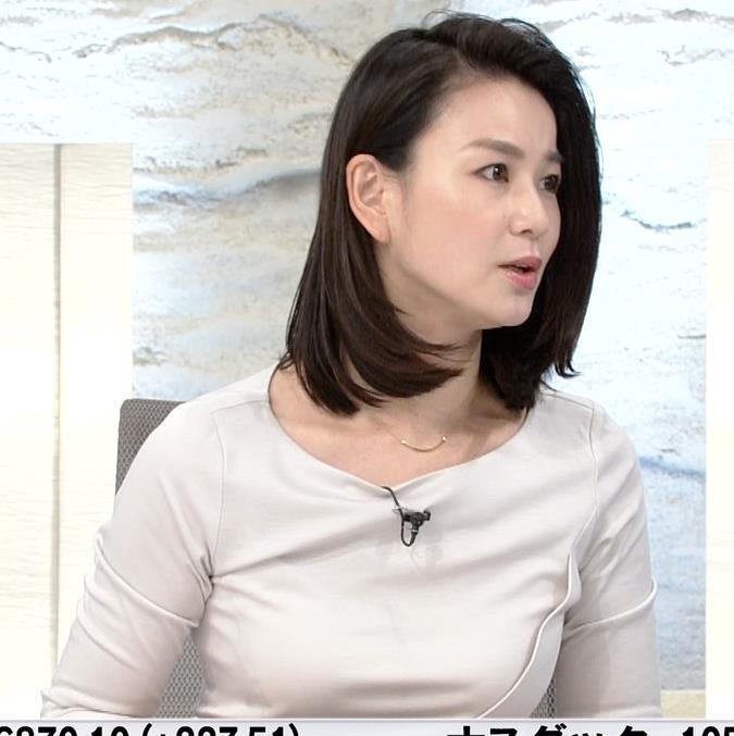 秋元玲奈アナ おっぱいが際立つキャプ・エロ画像6