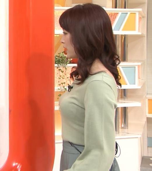 新井恵理那アナ エロい横乳キャプ・エロ画像3