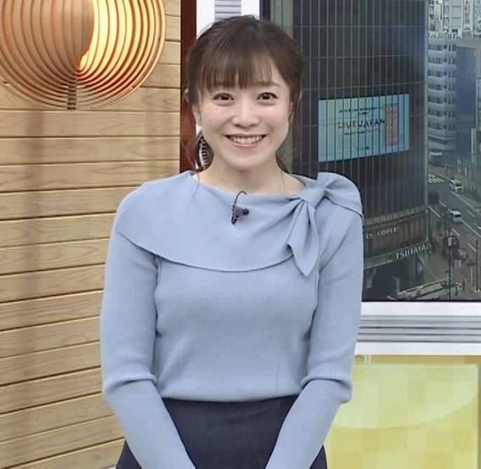 江藤愛アナ 胸のふくらみキャプ・エロ画像3
