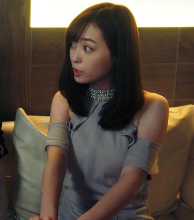 福原遥 キャバ嬢役のセクシードレスキャプ・エロ画像7