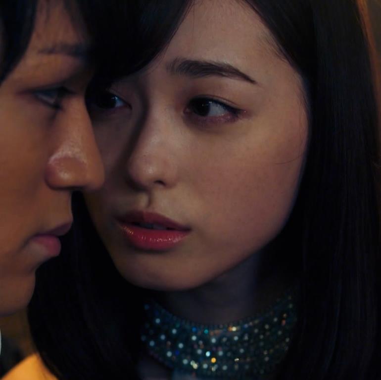 福原遥 キャバ嬢役のセクシードレスキャプ・エロ画像9