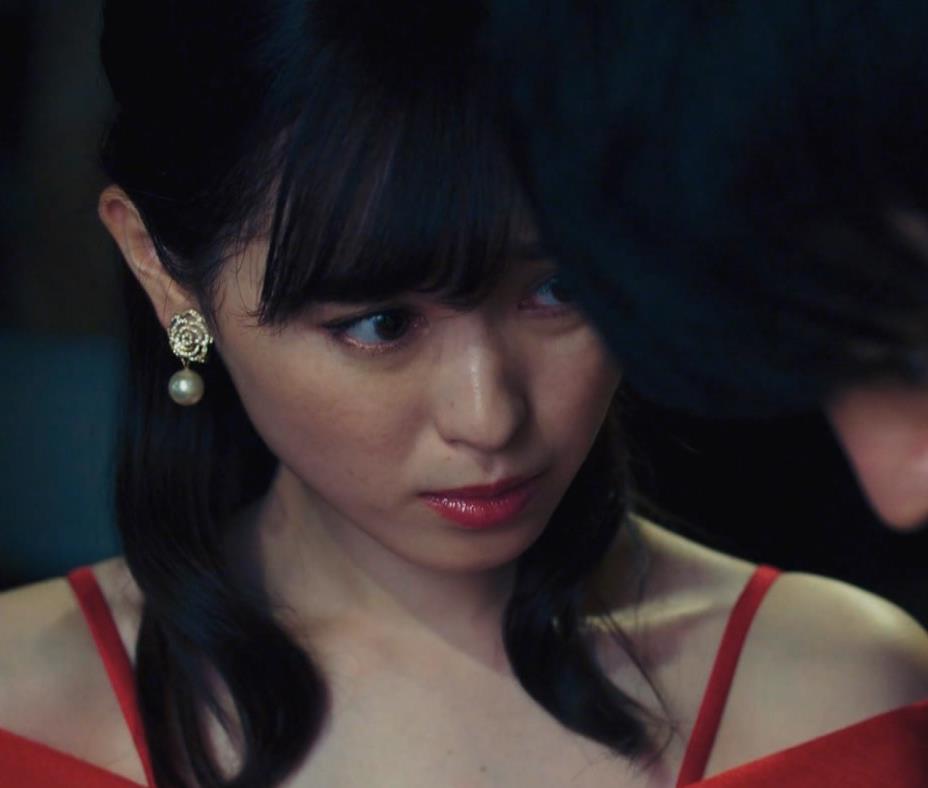 福原遥 キャバ嬢役のセクシードレスキャプ・エロ画像10