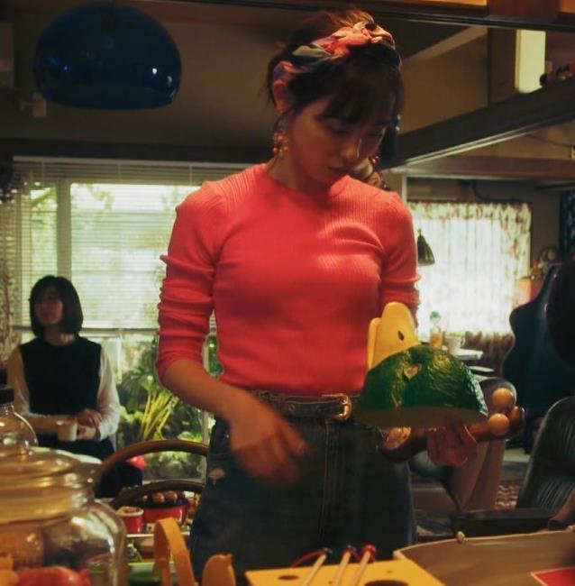 福原遥 ニットおっぱいキャプ・エロ画像3