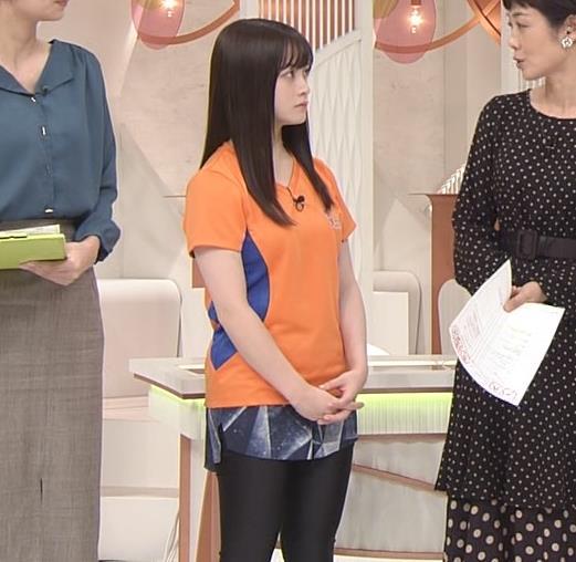 橋本環奈 Tシャツ姿キャプ・エロ画像10