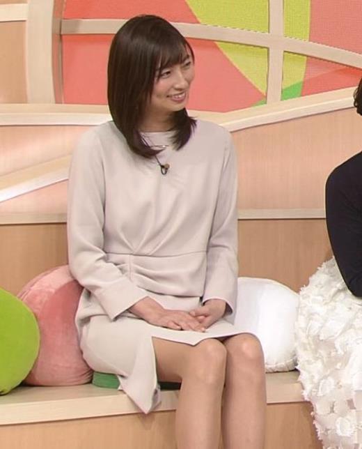 畑下由佳アナ スカートのスリットがエロ過ぎキャプ画像(エロ・アイコラ画像)