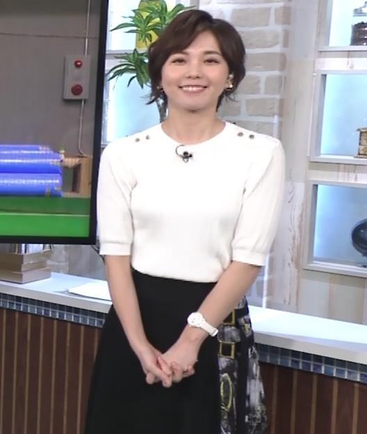 ヒロド歩美アナ ニットちっぱいキャプ・エロ画像2