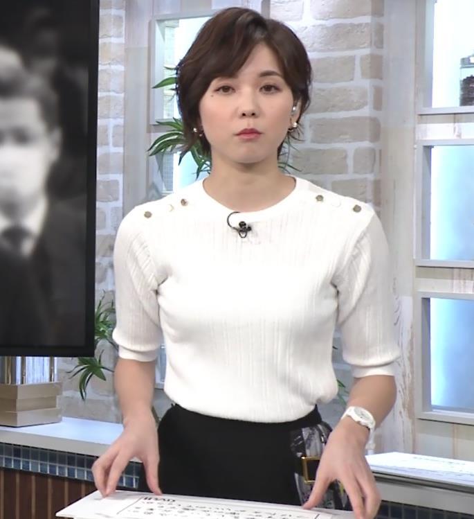 ヒロド歩美アナ ニットちっぱいキャプ・エロ画像4