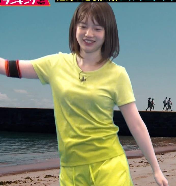 アナ Tシャツおっぱいが、思いのほかエロいキャプ・エロ画像5