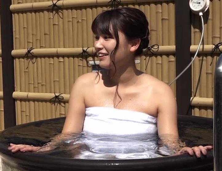 入浴シーンもあったけどニットおっぱいの方がエロかったキャプ・エロ画像5