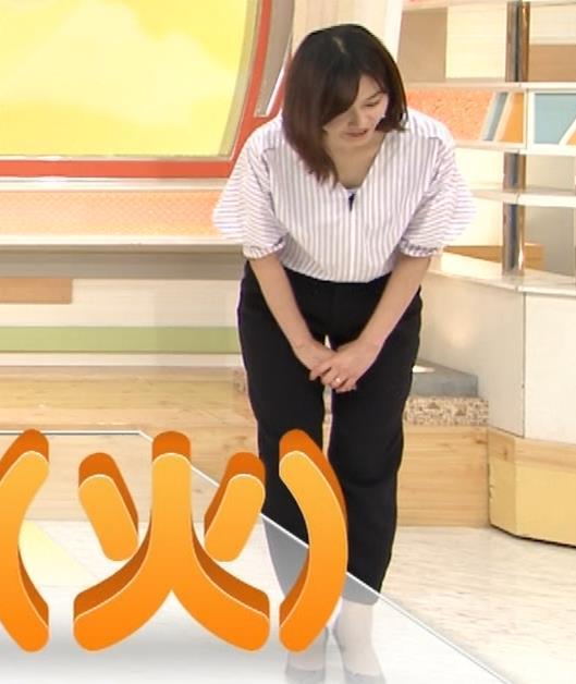 久冨慶子アナ 胸がエロいニットキャプ・エロ画像2