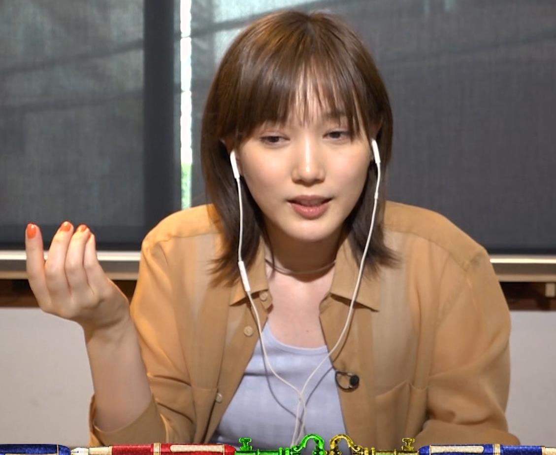 本田翼 Tシャツおっぱいキャプ・エロ画像2