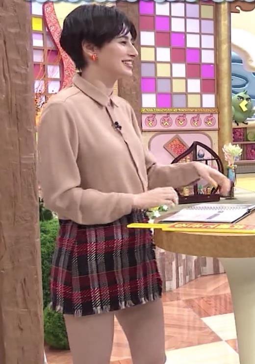 ホラン千秋アナ 太もも、美脚エロキャプ画像(エロ・アイコラ画像)