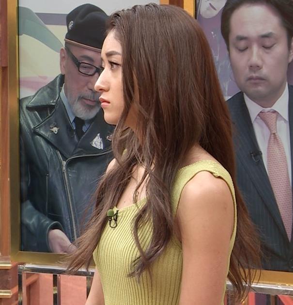 池田美優 エロい体のラインキャプ・エロ画像10