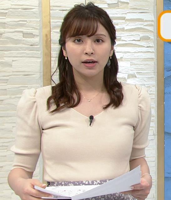 角谷暁子アナ 巨乳が際立つニットキャプ・エロ画像9