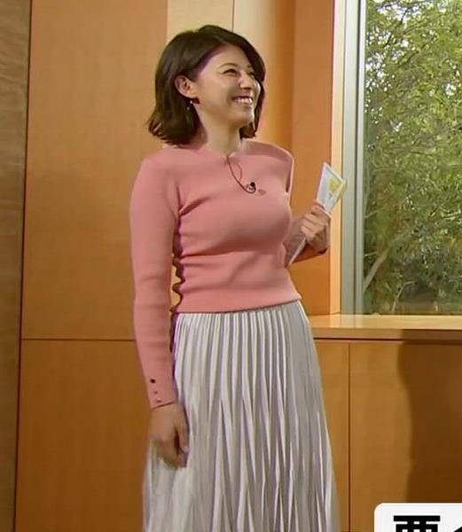 上村彩子アナ いい感じにエロいニットおっぱいキャプ・エロ画像5