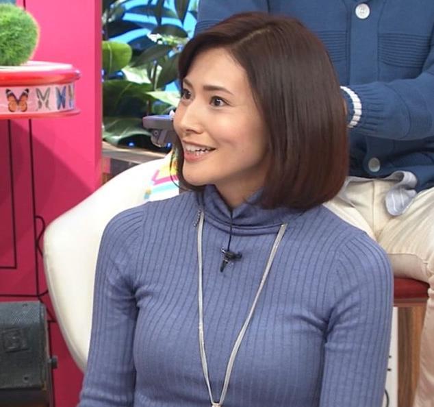 金子恵美 ピチピチなニットでおっぱいがエロいキャプ・エロ画像