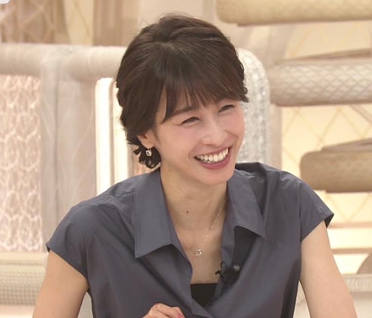 加藤綾子 ほぼノースリーブキャプ・エロ画像5