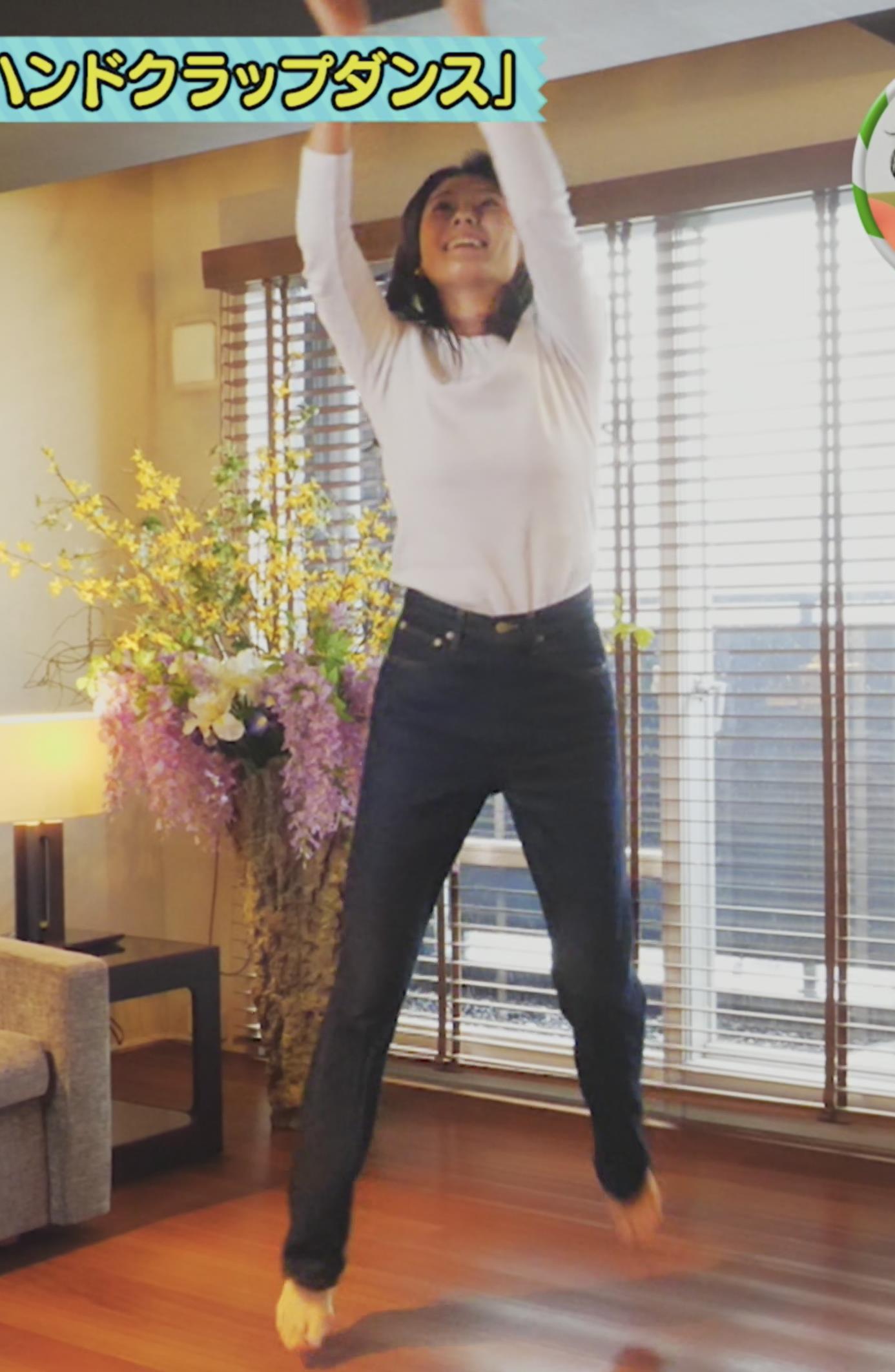 小林由未子アナ 女子アナのセクシーポーズキャプ・エロ画像2