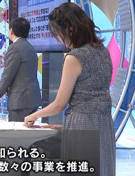 黒木千晶アナ おっぱい強調衣装キャプ・エロ画像11