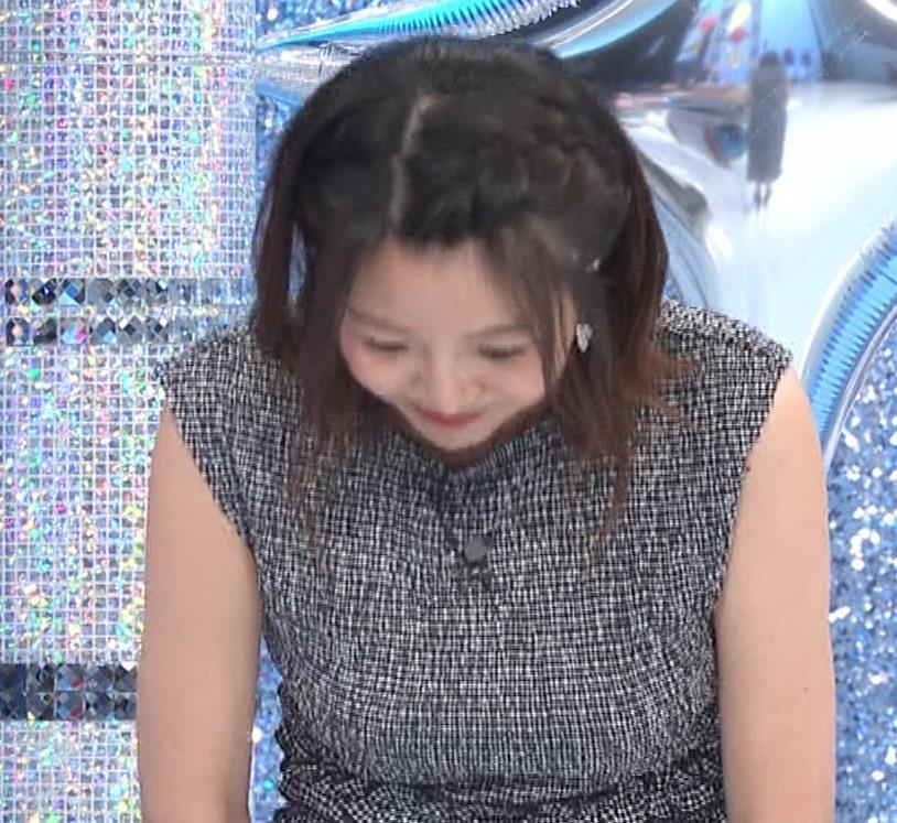 黒木千晶アナ おっぱい強調衣装キャプ・エロ画像14