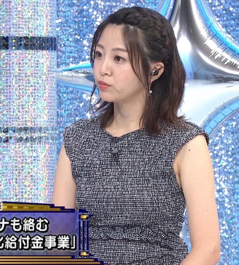 黒木千晶アナ おっぱい強調衣装キャプ・エロ画像8
