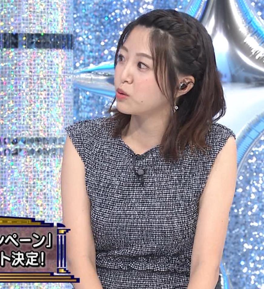 黒木千晶アナ おっぱい強調衣装キャプ・エロ画像10