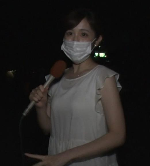 久慈暁子アナ ちょっと乳寄せキャプ・エロ画像3