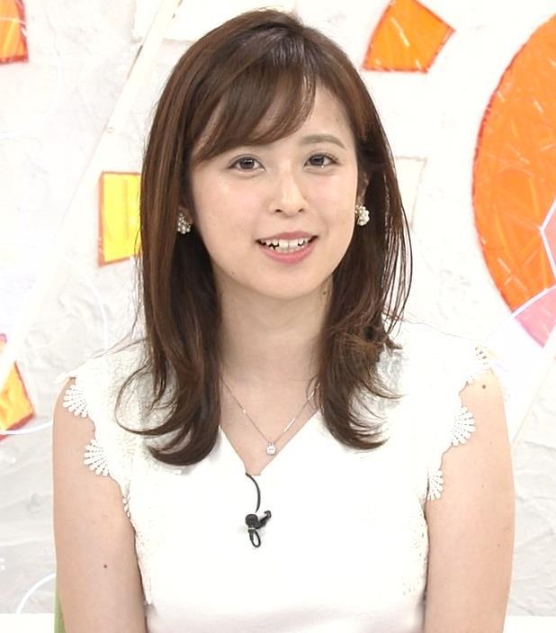 久慈暁子アナ ちょっと乳寄せキャプ・エロ画像5