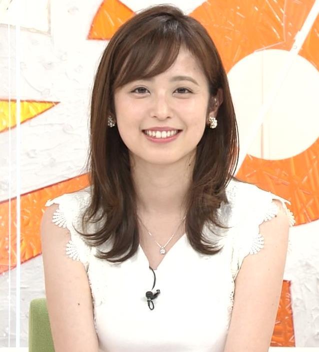 久慈暁子アナ ちょっと乳寄せキャプ・エロ画像6