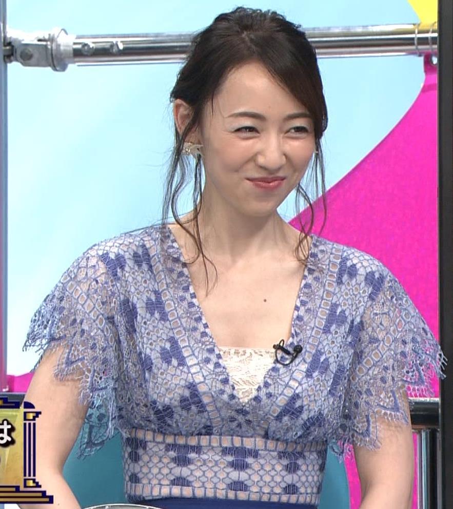 丸田佳奈 美人女医の大胆胸元キャプ・エロ画像11