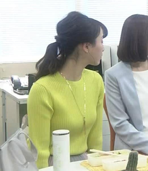 松井玲奈 ニットおっぱいキャプ・エロ画像6