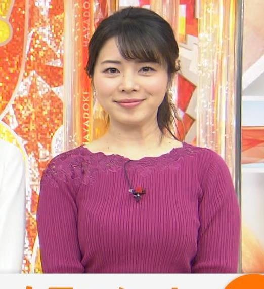 皆川玲奈アナ ニット巨乳キャプ・エロ画像6