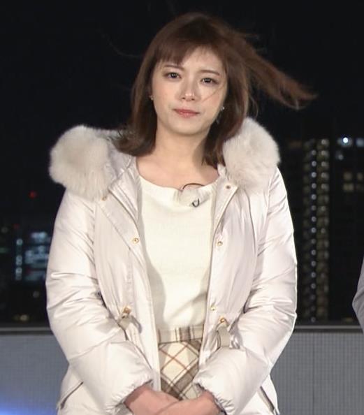 三谷紬アナ コートの下の爆乳キャプ・エロ画像5