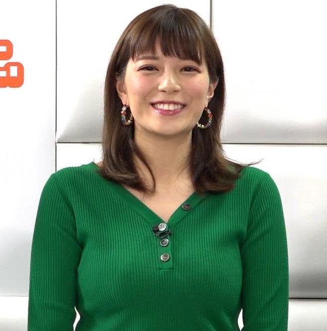 三谷紬アナ デカいニットおっぱいキャプ・エロ画像