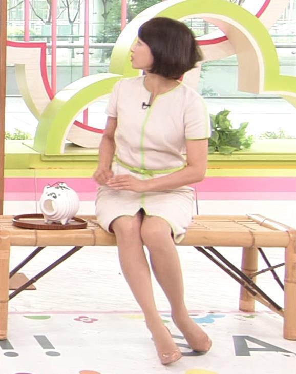 望月理恵 真ん中スリットでパンツ見えそうなミニスカート(ズムサタ)キャプ・エロ画像9